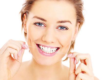 Kaukauna WI Dentist | Only Floss The Teeth You Want To Keep